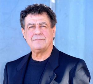 Author Raymond Bolton
