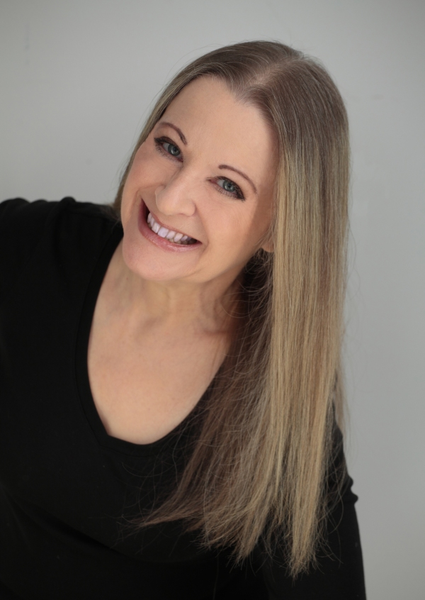 author-elizabeth-crowens